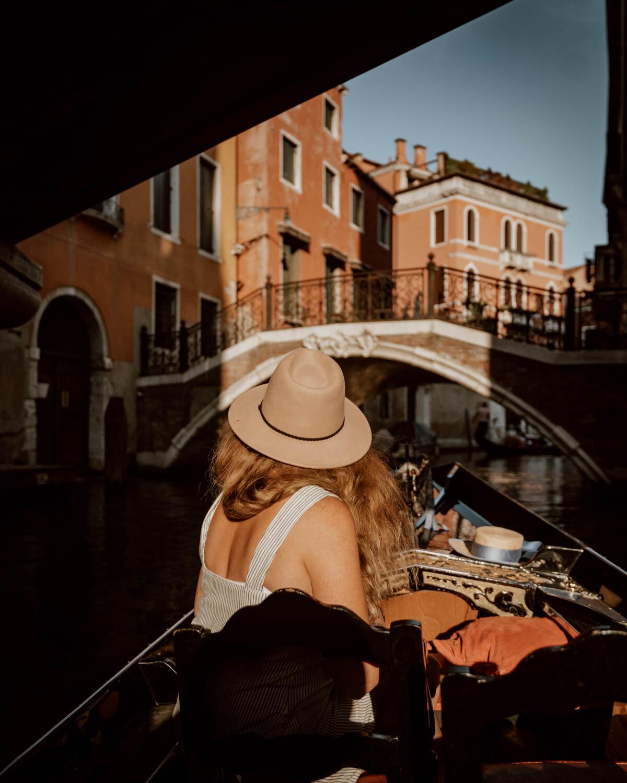 在威尼斯可做的事情 乘坐贡多拉