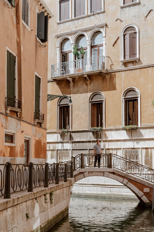 威尼斯的桥梁和运河