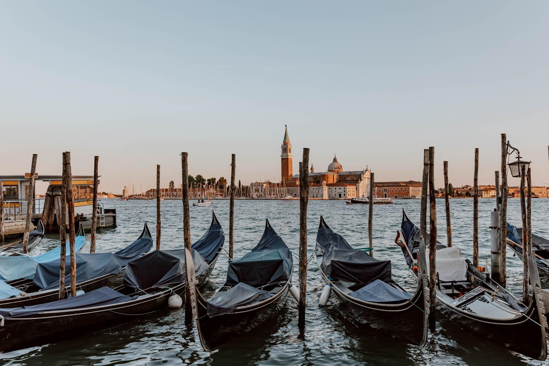 威尼斯日落时的大运河