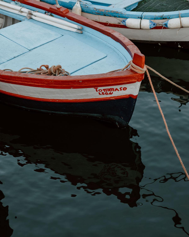 Aci Castello&Aci Trezza-/距离卡塔尼亚10公里的两个小镇/理想的一日游或另一个探险基地/提供地道的西西里夏季度假体验/没有沙滩,但有多个丽都/大量优秀餐厅