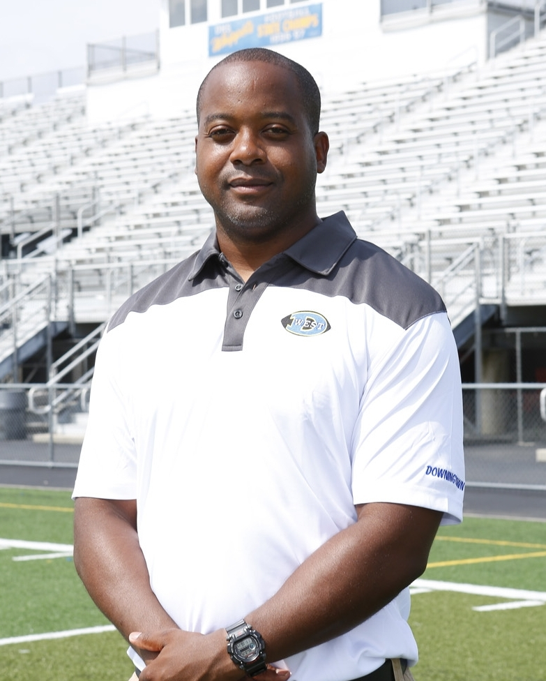 CHRIS EDWARDS    Defensive Backs   Education: Penncrest High School 1995. DCCC Real Estate Practice & Real Estate Fundamentals 2001  Experience:Downingtown West High School, Penncrest High School 2005-2010  Family: Wife, Melissa Children, Jordyn & Lucas  Resides in Phoenixville