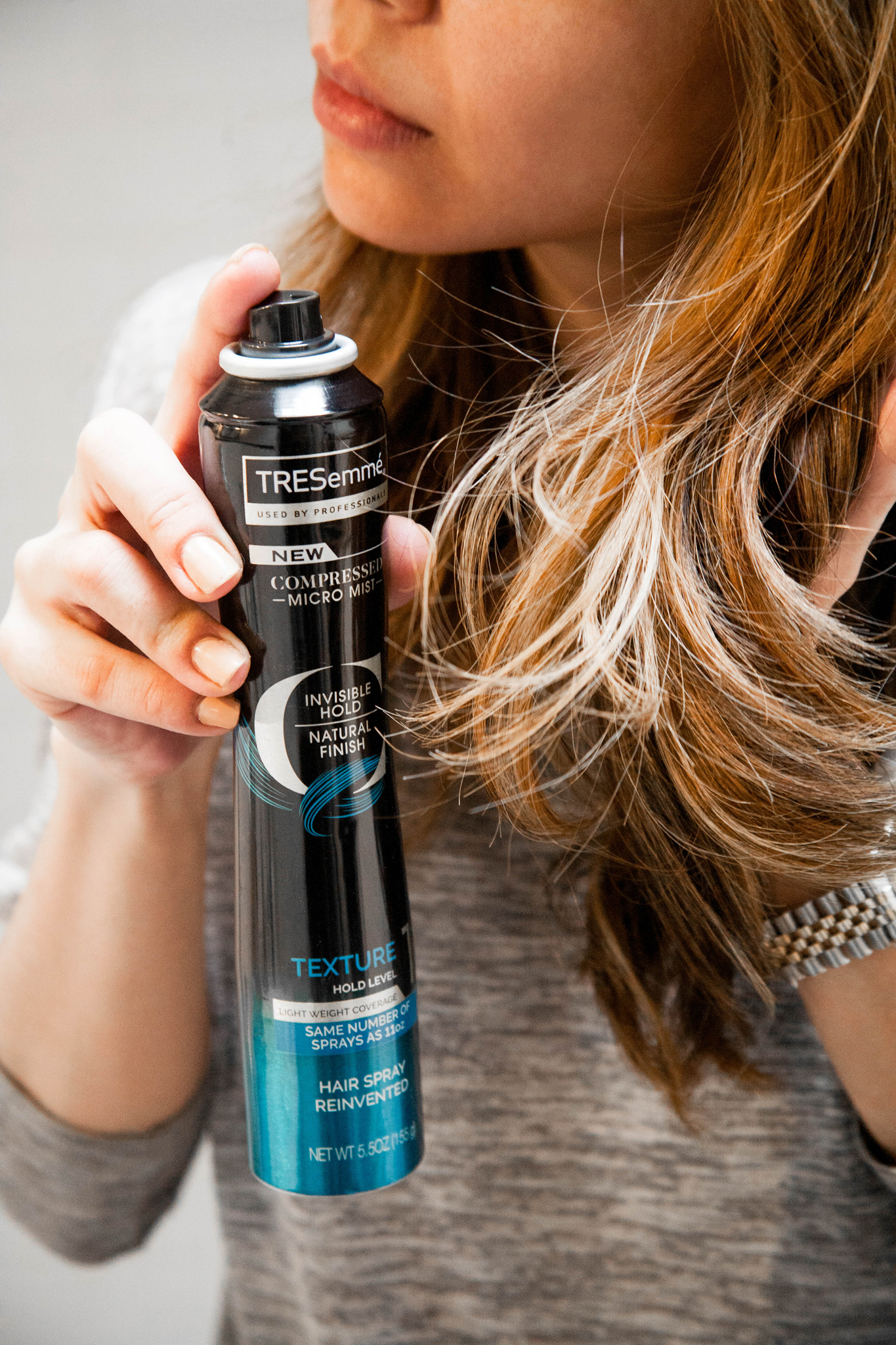 TRESemmé Compressed Micro Mist Hairspray Texture