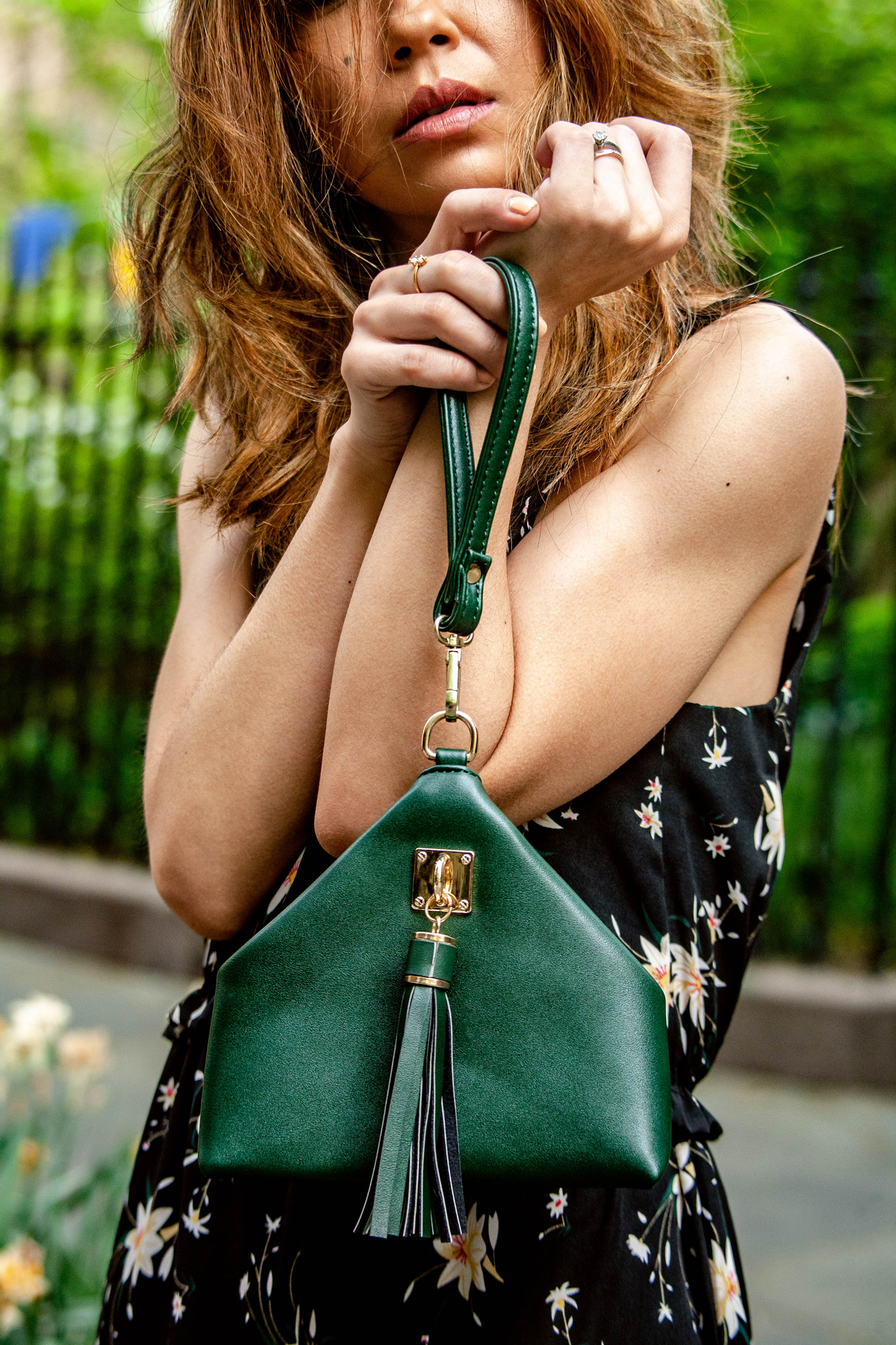 Triangle green clutch