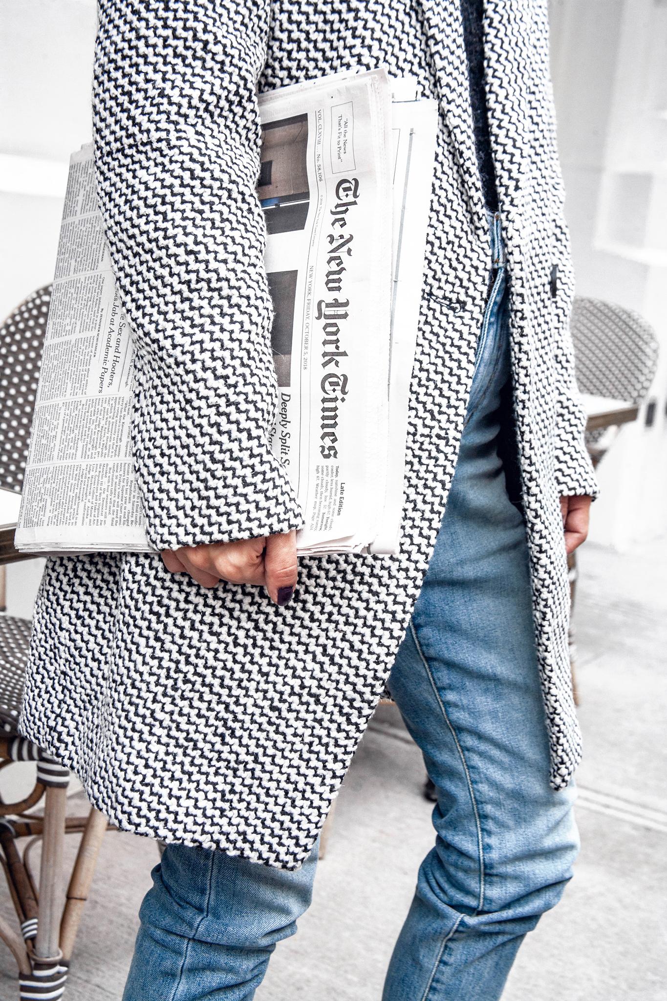 Chic tweed coat