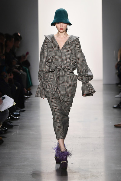 Son+Jung+Wan+Runway+February+2019+New+York+u159qN-AEozl.jpg