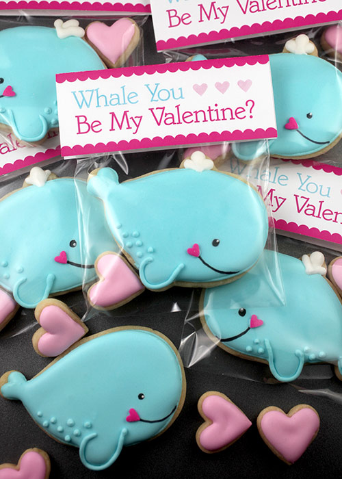 After baking cookies this week I found myself looking at inspiration on Pinterest. Are these not the cutest for Valentine's day?! I might find myself making these very soon :)