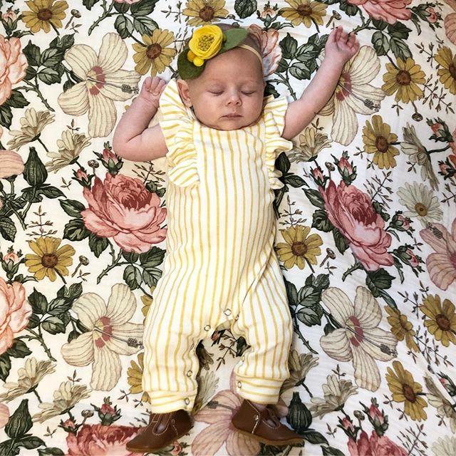 My sweet little sleepy babe 💗 . . . #babygirl #2monthsold #maggie #maggiesue #maggiemoo #letthembelittle #babyootd #childhoodunplugged #feltbow #babyfashion #fourthtrimester #girlmom #risenmotherhood #liketoknowitfamily #ltkit #swaddle #nordstrom