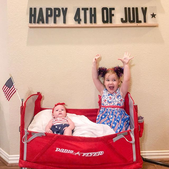 Happy 4th of July from my favorite girls 🎆