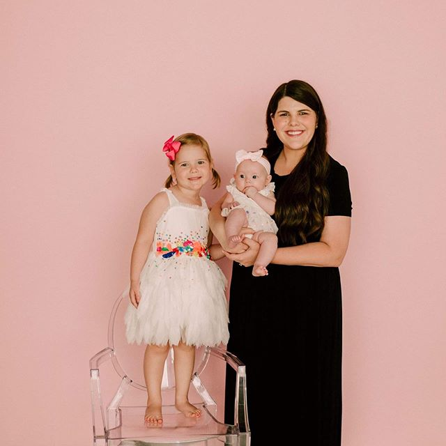 Me and my girls 💗 . . . . . #girlmom #girlgang #pink #lumenroom #dfwphotography #lucyandmaggie #funfetti #pinkwall #allpink #confetti #letthembelittle #ootd #toddlerstyle #lovelysquares #diy #curvyfashion