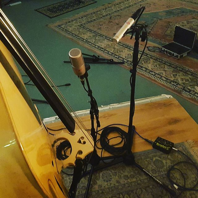 It was nice to be back in the studio with this lovely bass on Saturday! It will be getting more use over the coming months with fun new projects on the horizon.  #sessionmusician #doublebass #studiorecording #newmusic #secretprojects