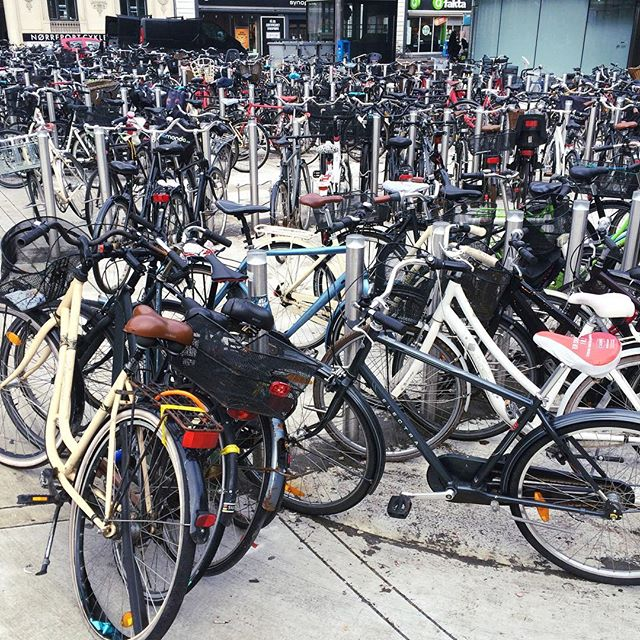 It's not the sheer number of bikes in Copenhagen that shocked me -- that I expected. It's the sheer lack of bike locks that's jaw dropping. Maybe one in twenty.