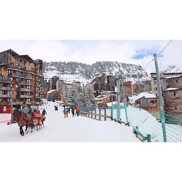 Or you can see Avoriaz via a horse-drawn sleigh... #frenchalps