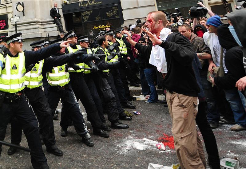 G20-RIOT-POLICE4.jpg
