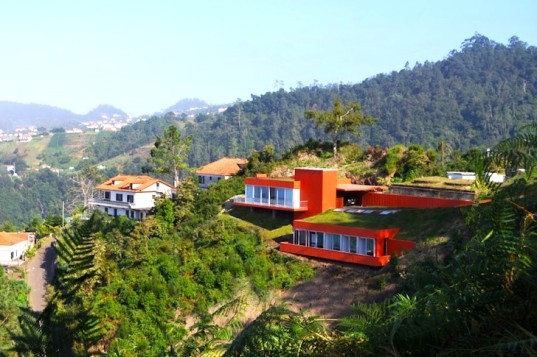 Casa-Cabeco-by-MSB-Arquitectos-01-537x357.jpg