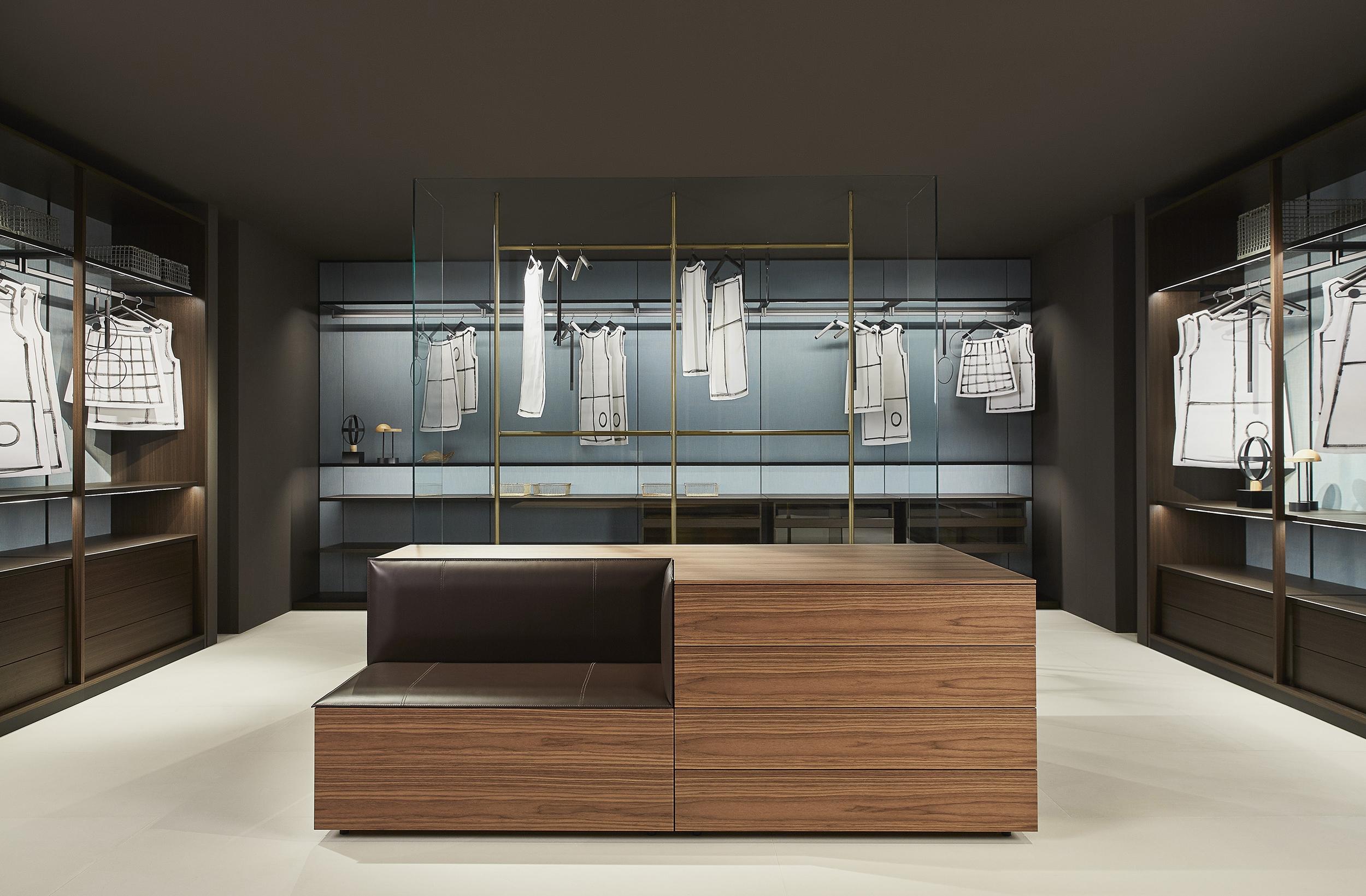 1_Porro_Salone2017_Storage Boiserie_Storage open wardrobes_Hub.jpg