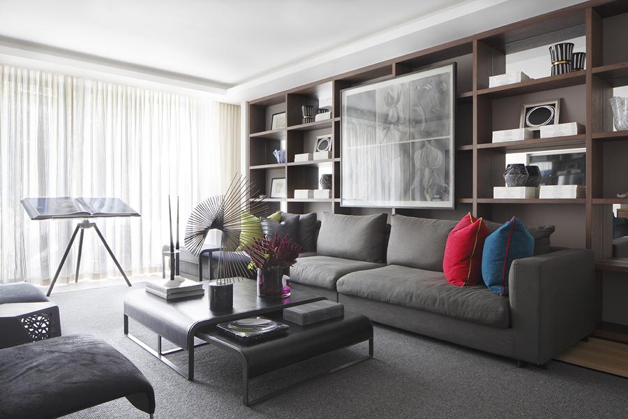Living area Annie Leibovitz book on Holly Hunt stand; Liaigre coffee table; Bottega Veneta pillows | Knightsbridge London | Savage Interior Design