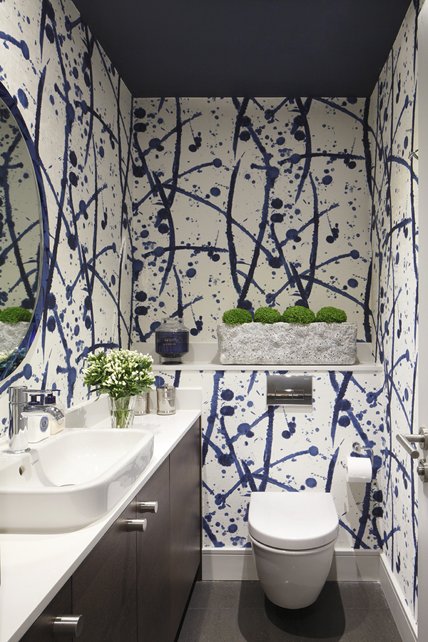 Bathroom with Pierre Frey abstract expressionist wallcovering & Murano glass mirror | Knightsbridge London | Savage Interior Design