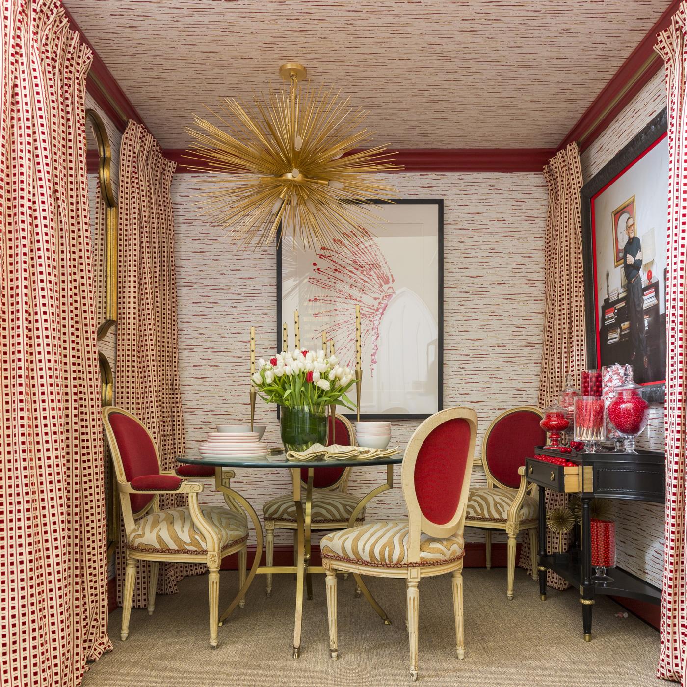 Kelly Wearstler's Strada Chandelier for Circa Lighting anchors the Albert Hadley inspired dining space   Savage Interior Design