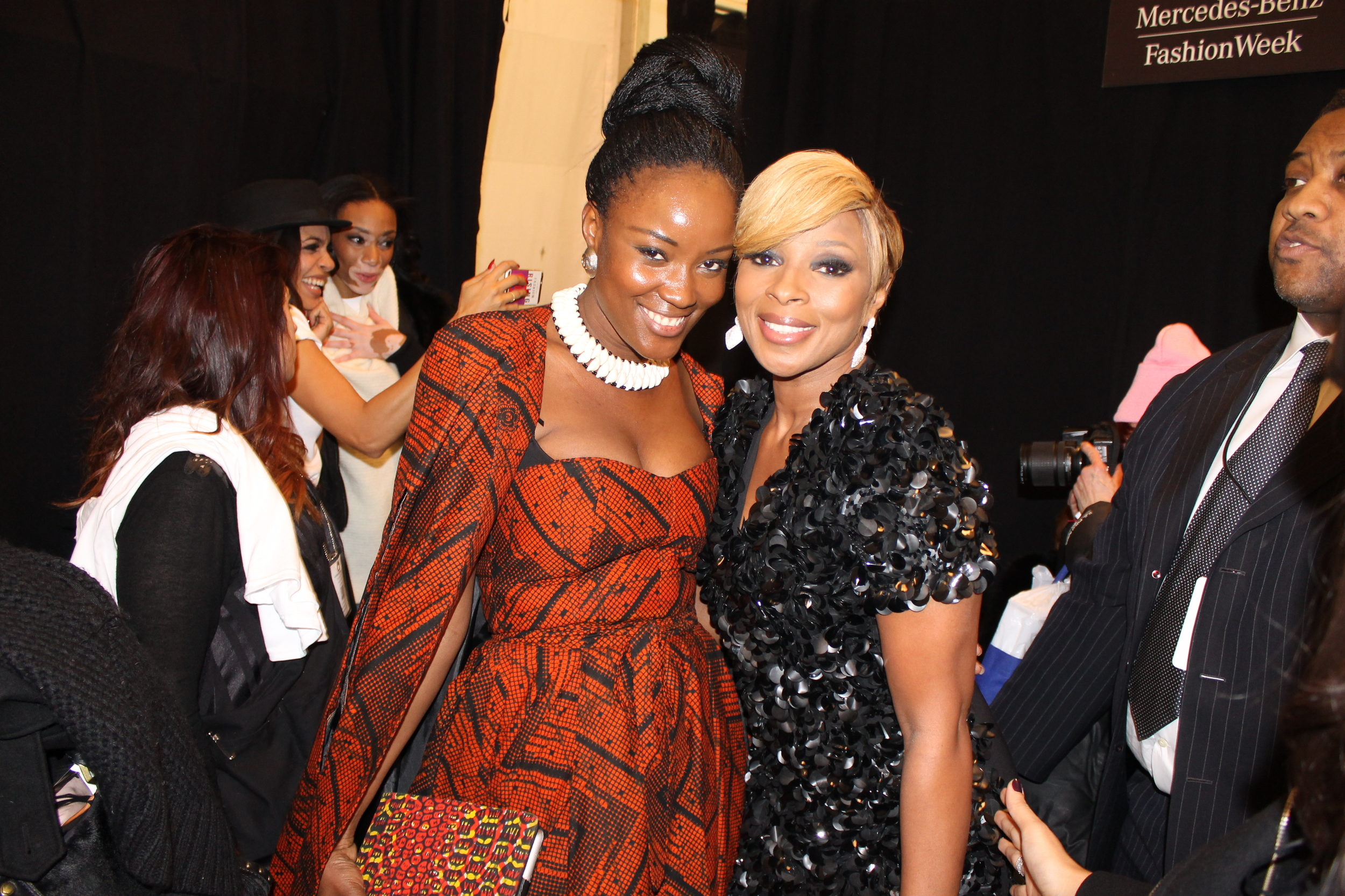 Mary J. Blige was incredibly humble, beautiful and sweet. Her spirit was just awesome. Plus check out Rosario and model Chantelle Young-Brown taking a self in the background, lol.