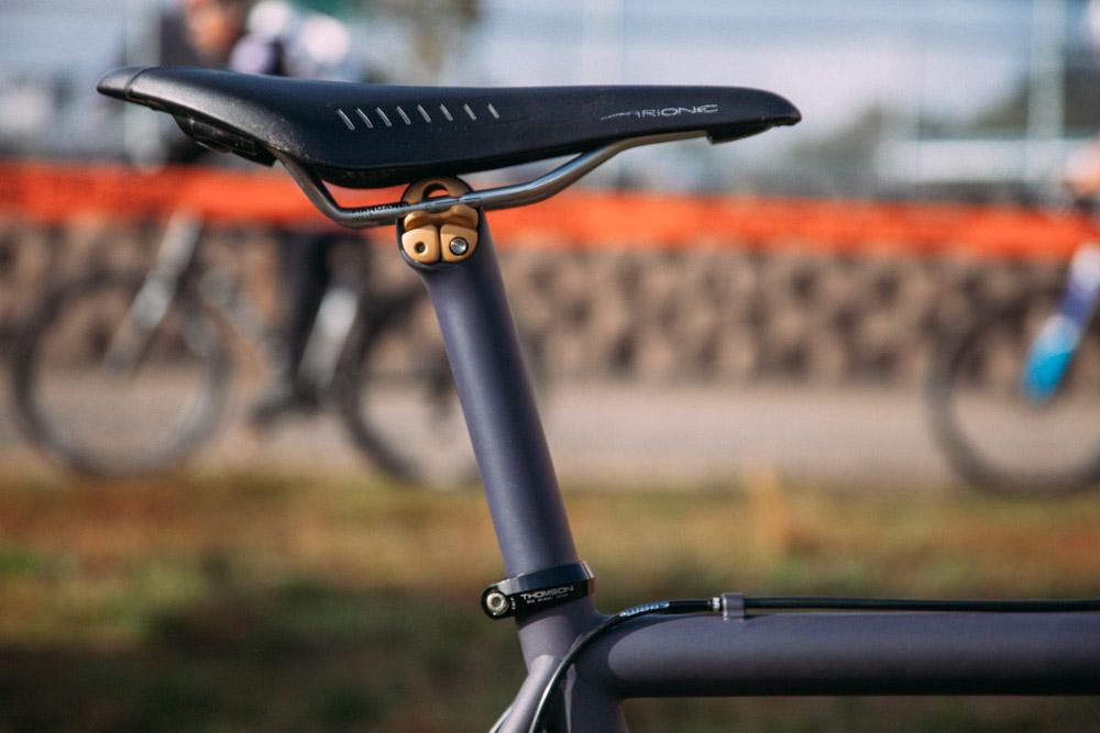 Cyclocross17_CrossCrusade_1-Alpenrose-17Mettle_Stoemper_Hifi-TiCX_custom-cyclocross-bike4.jpg