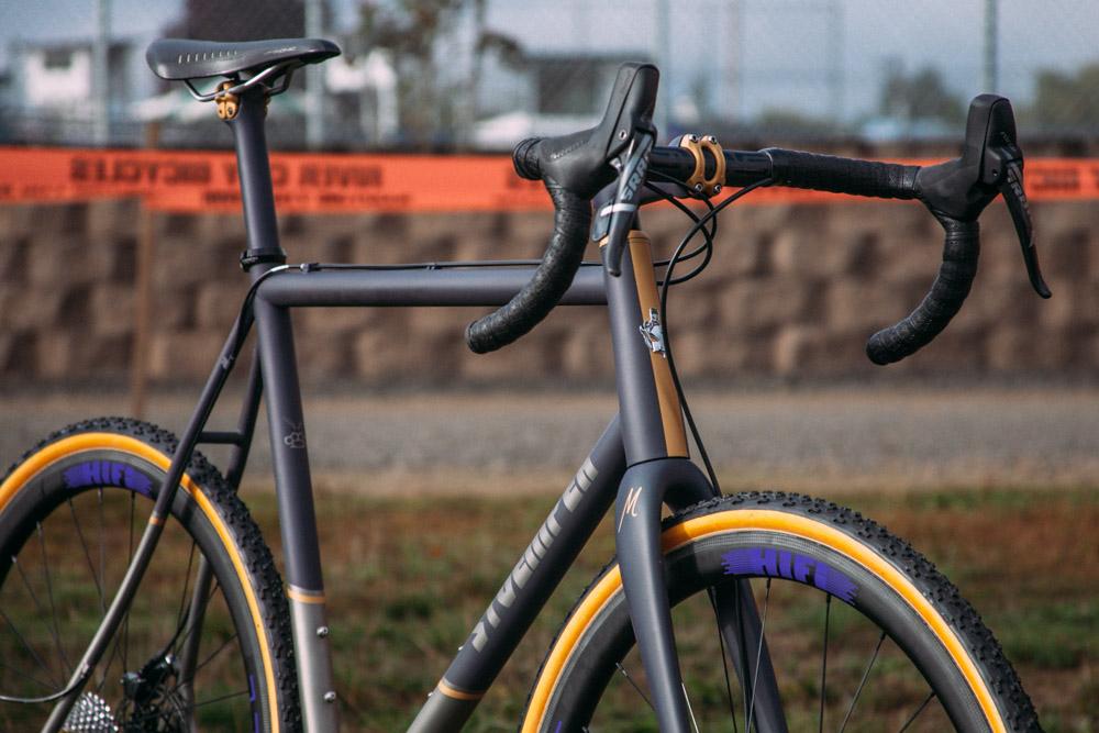 Cyclocross17_CrossCrusade_1-Alpenrose-26Mettle_Stoemper_Hifi-TiCX_custom-cyclocross-bike10.jpg