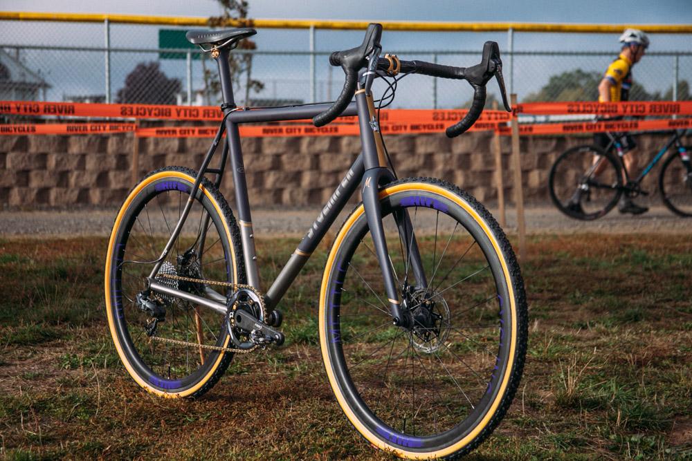 Cyclocross17_CrossCrusade_1-Alpenrose-24Mettle_Stoemper_Hifi-TiCX_custom-cyclocross-bike9.jpg
