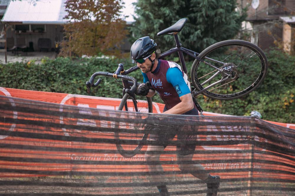 Cyclocross17_CrossCrusade_1-Alpenrose-117Mettle_Stoemper_Hifi-TiCX_custom-cyclocross-bike12.jpg