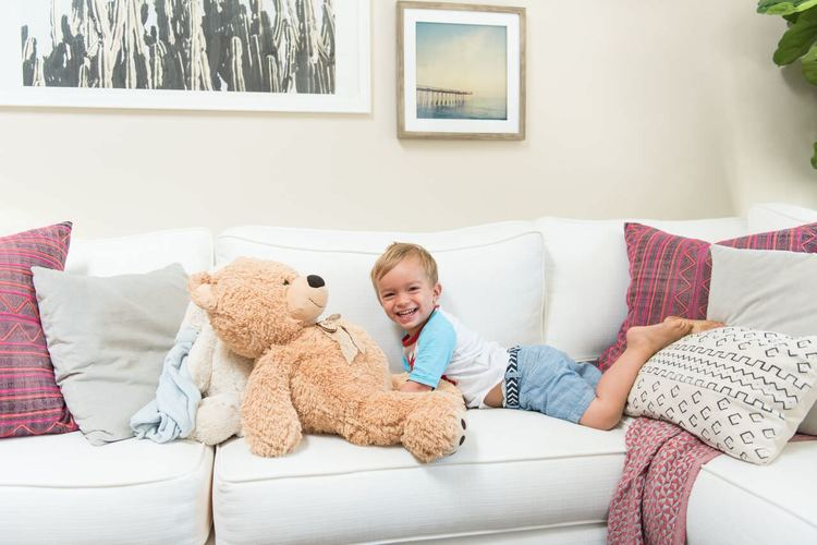 julie-solomon-world-market-johnathon-shcaech-home-mkaeover-decorist-teddy-bear.jpg
