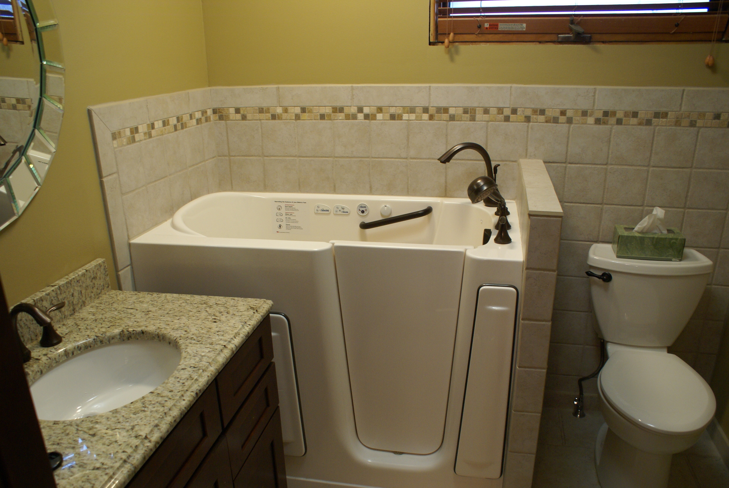 jan bathroom 032.JPG