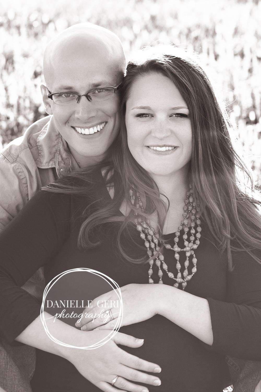 Professional maternity photos in the fall in Dassel-Cokato, Minnesota