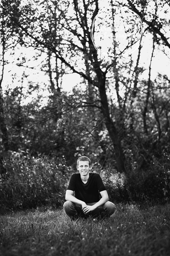 SeniorPhotosMNIsaac-26.jpg