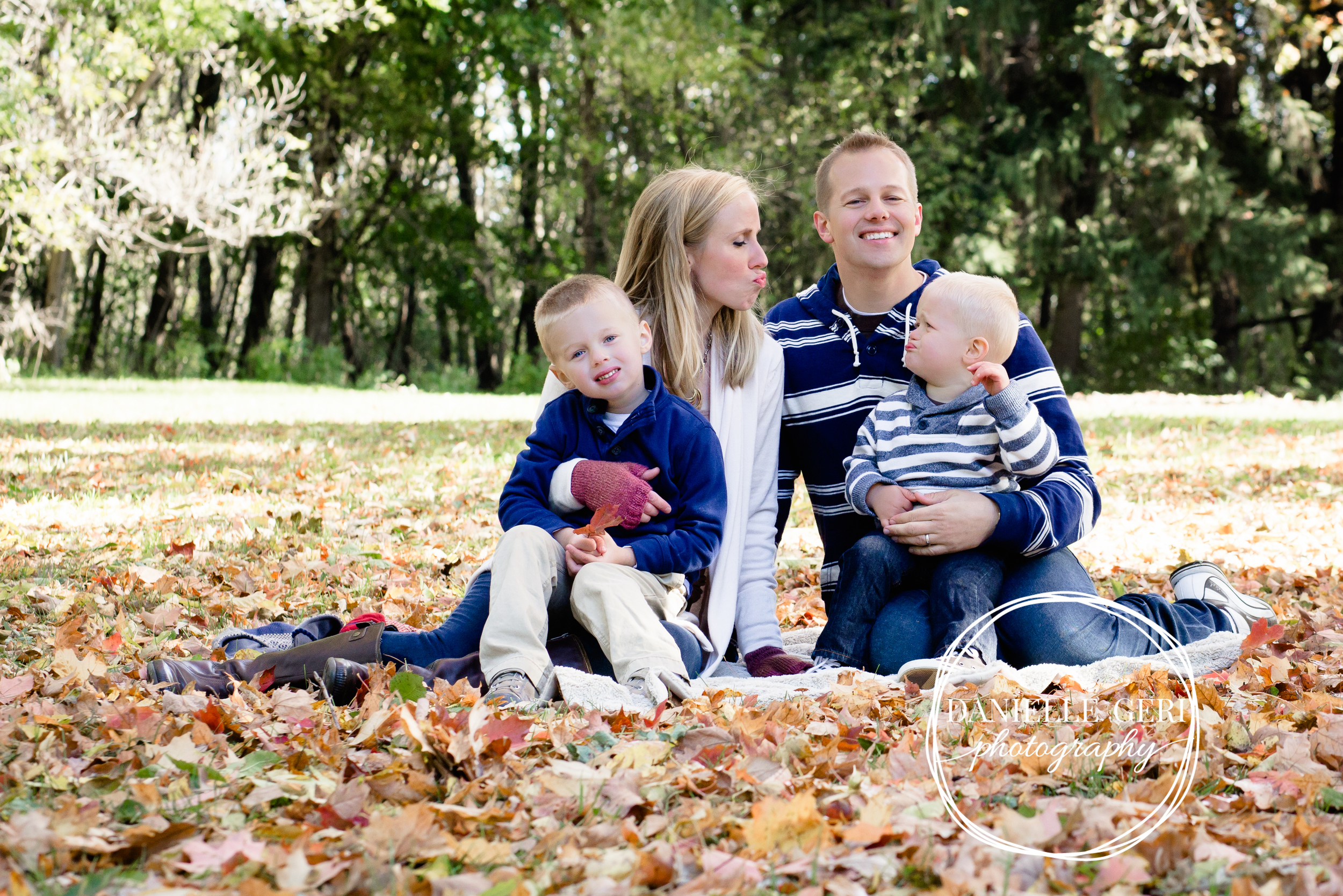 fall outdoor minnesota family photos
