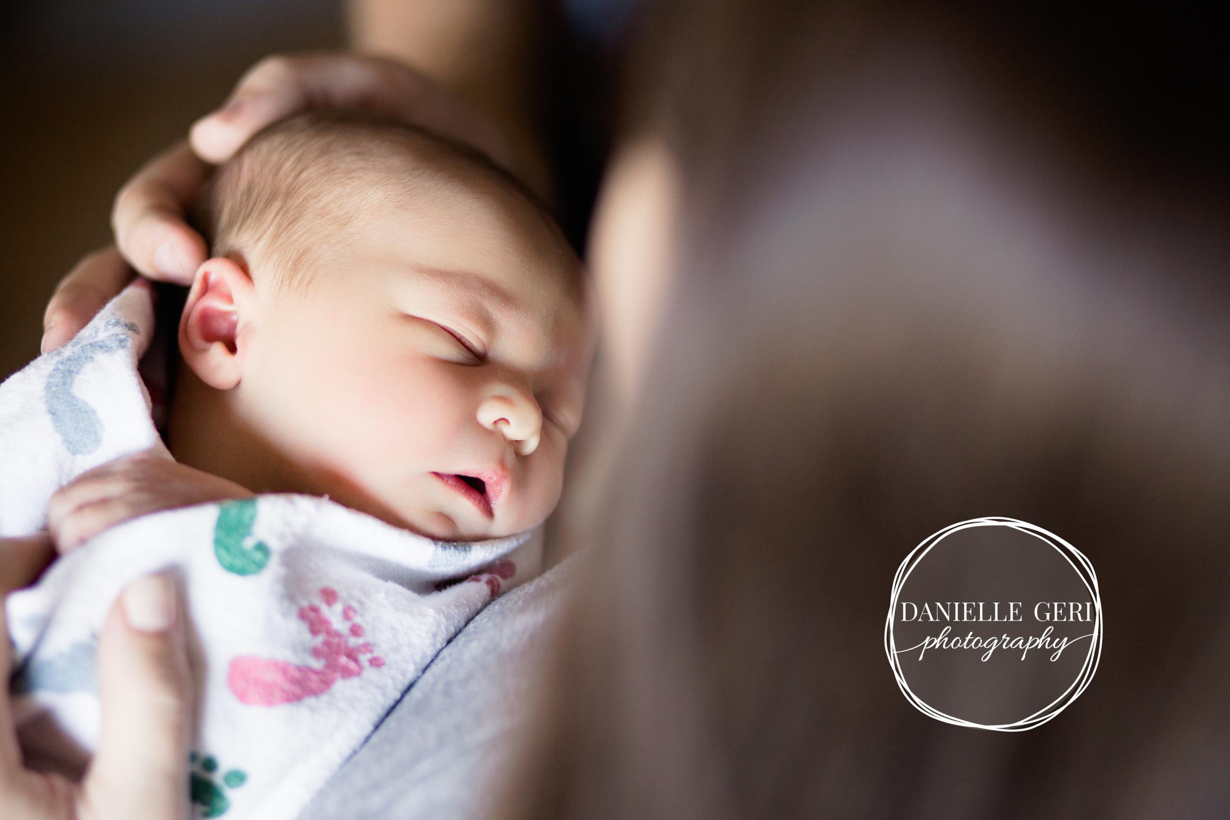 minnesota.newborn.photo.lifestyle-6.jpg