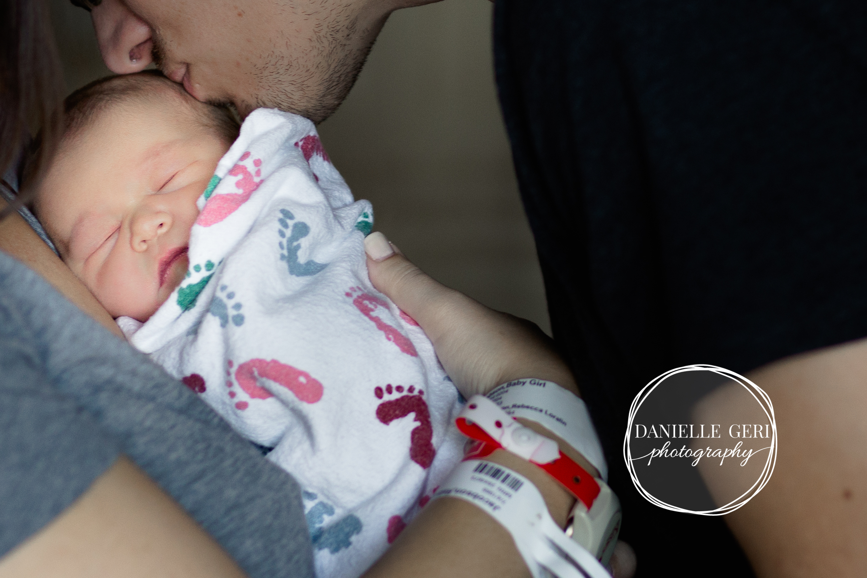 minnesota.newborn.photo.lifestyle-12.jpg