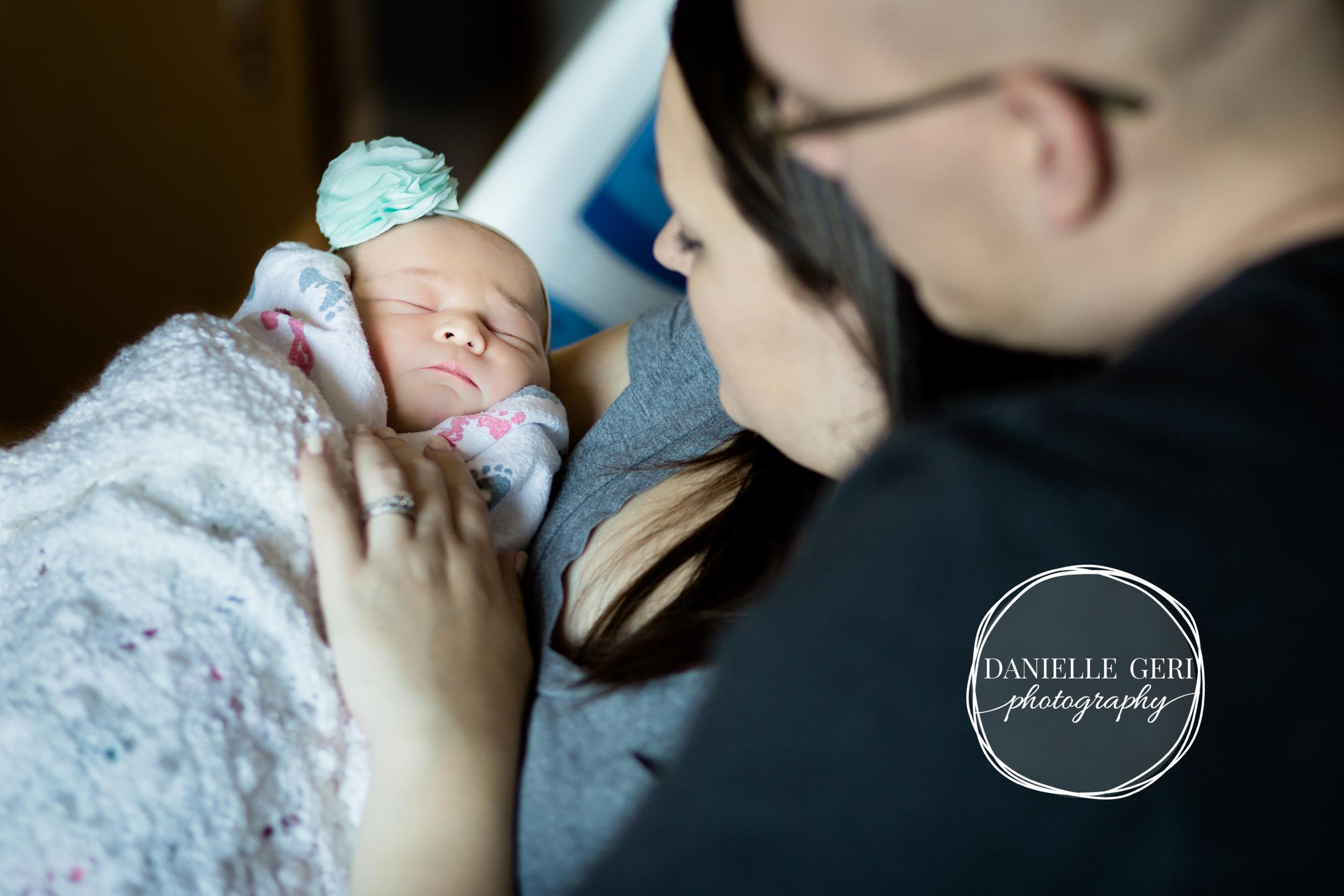 minnesota.newborn.photo.lifestyle-14.jpg
