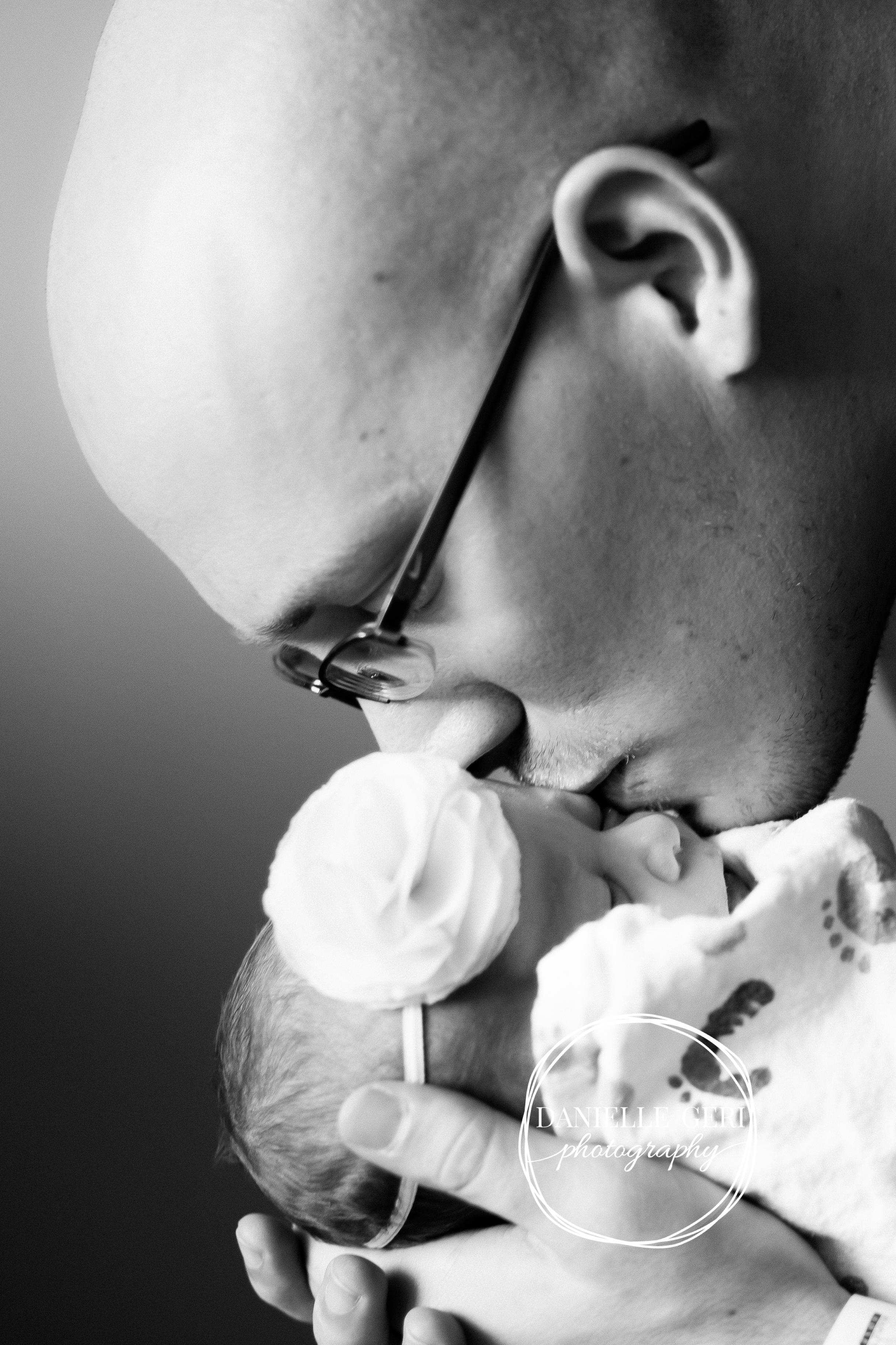 minnesota.newborn.photo.lifestyle-16.jpg