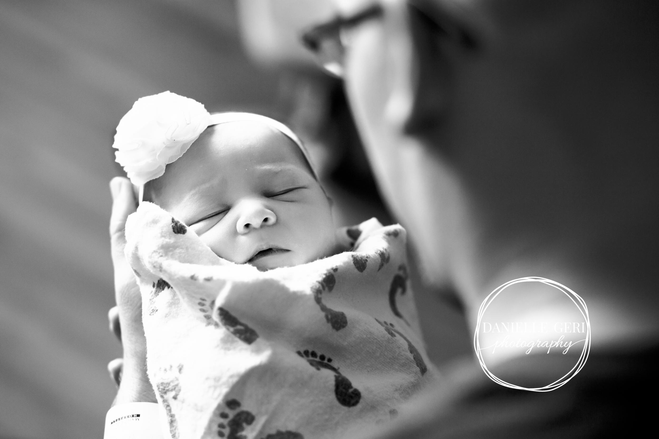 minnesota.newborn.photo.lifestyle-17.jpg