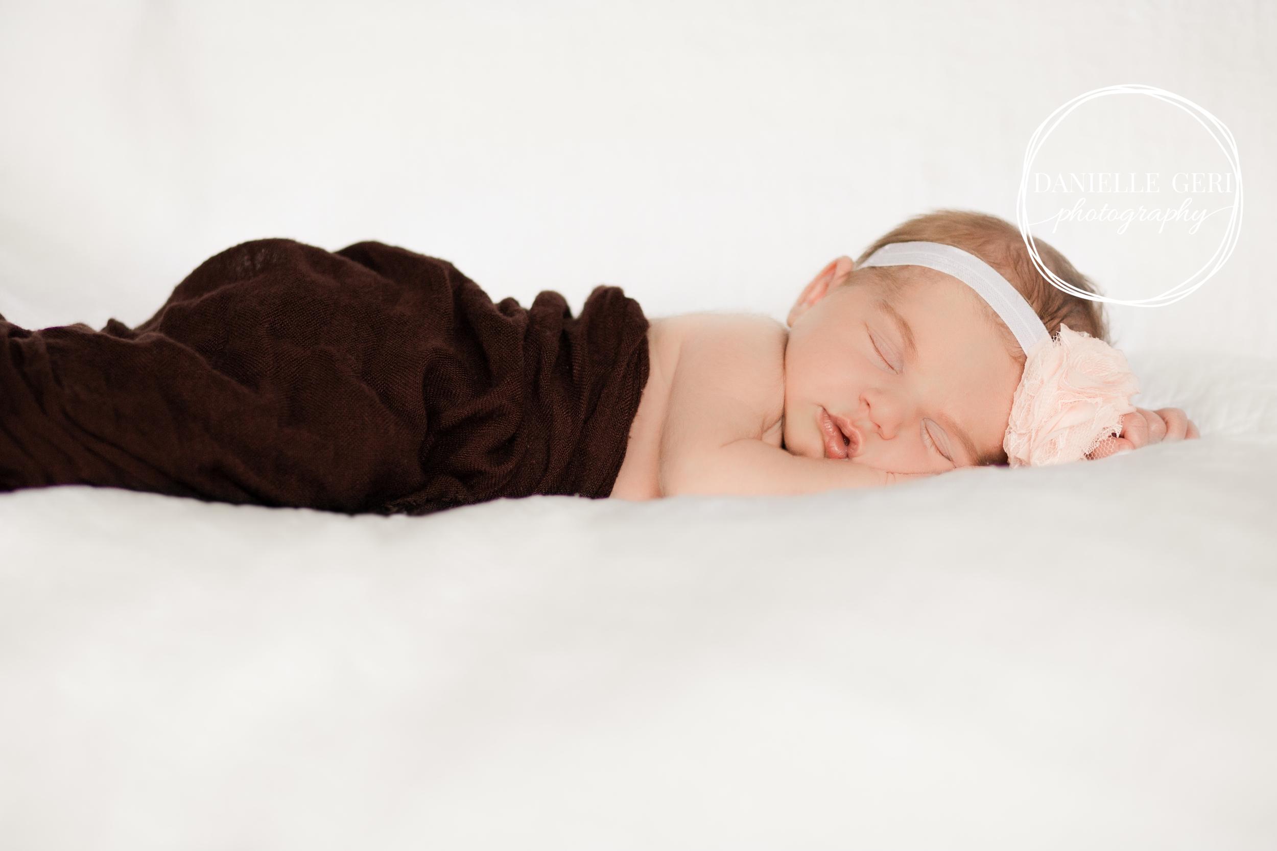 Minneapolis Minnesota Newborn Photographer