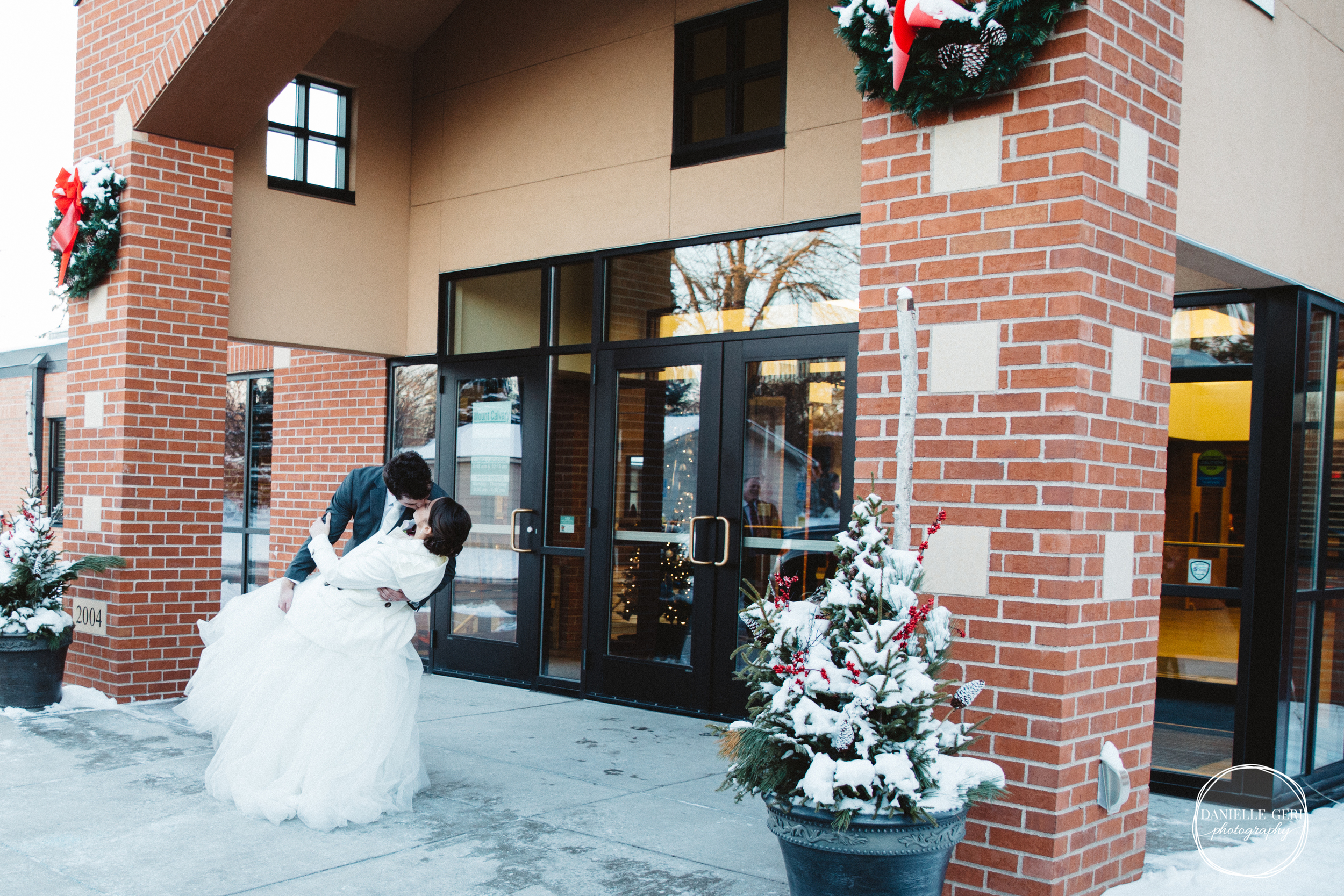 MN.Wedding.Winter.Photography-41.jpg
