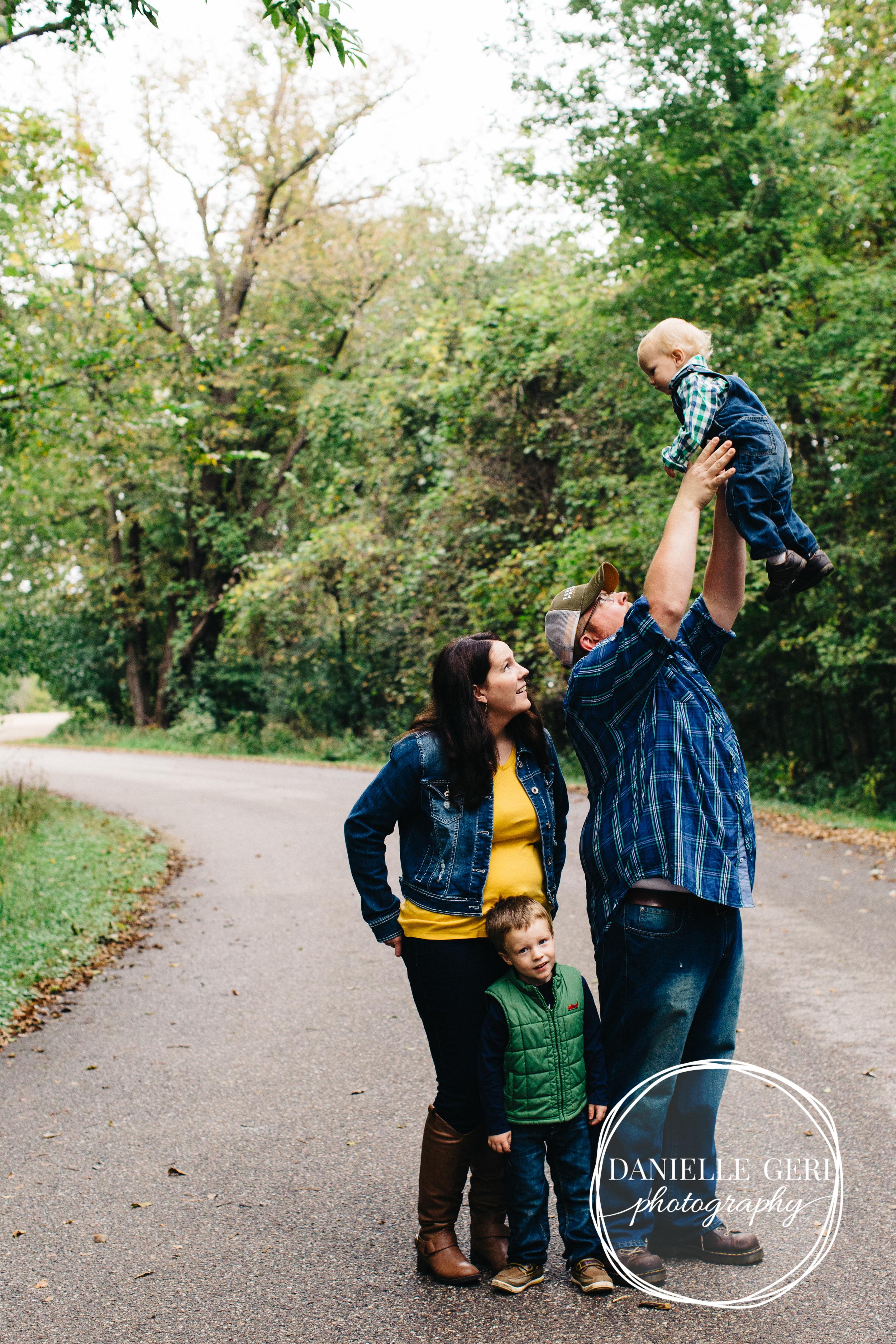 Buffalo, Minnesota Family Lifestyle Photography-7.jpg