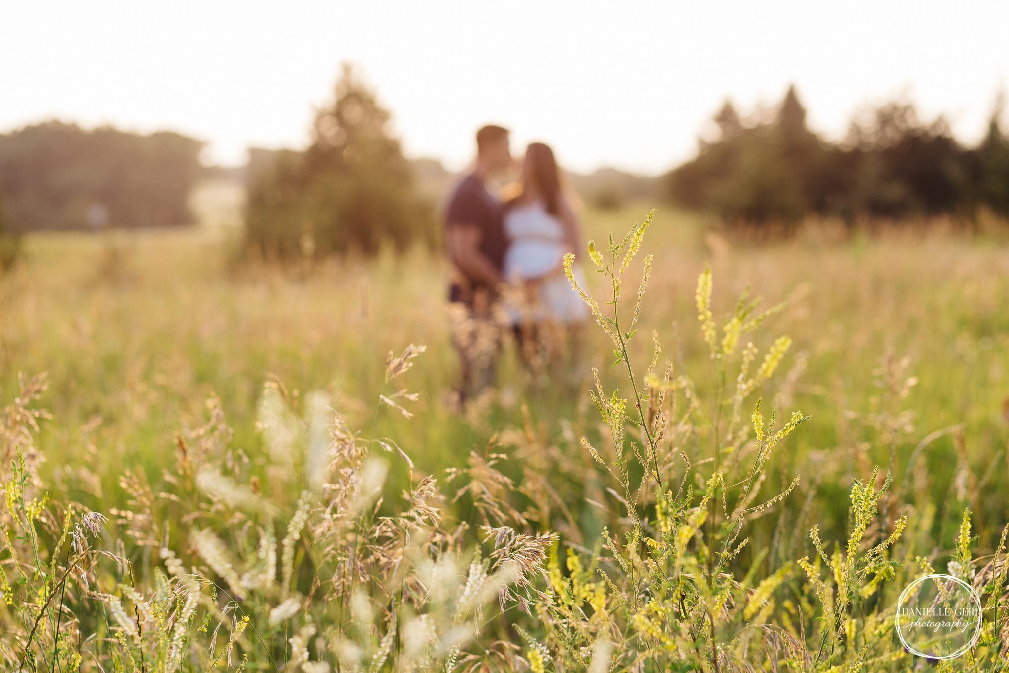 Buffalo, Minnesota Maternity Photographer, Danielle Geri Lifestyle Photography by Danielle Long