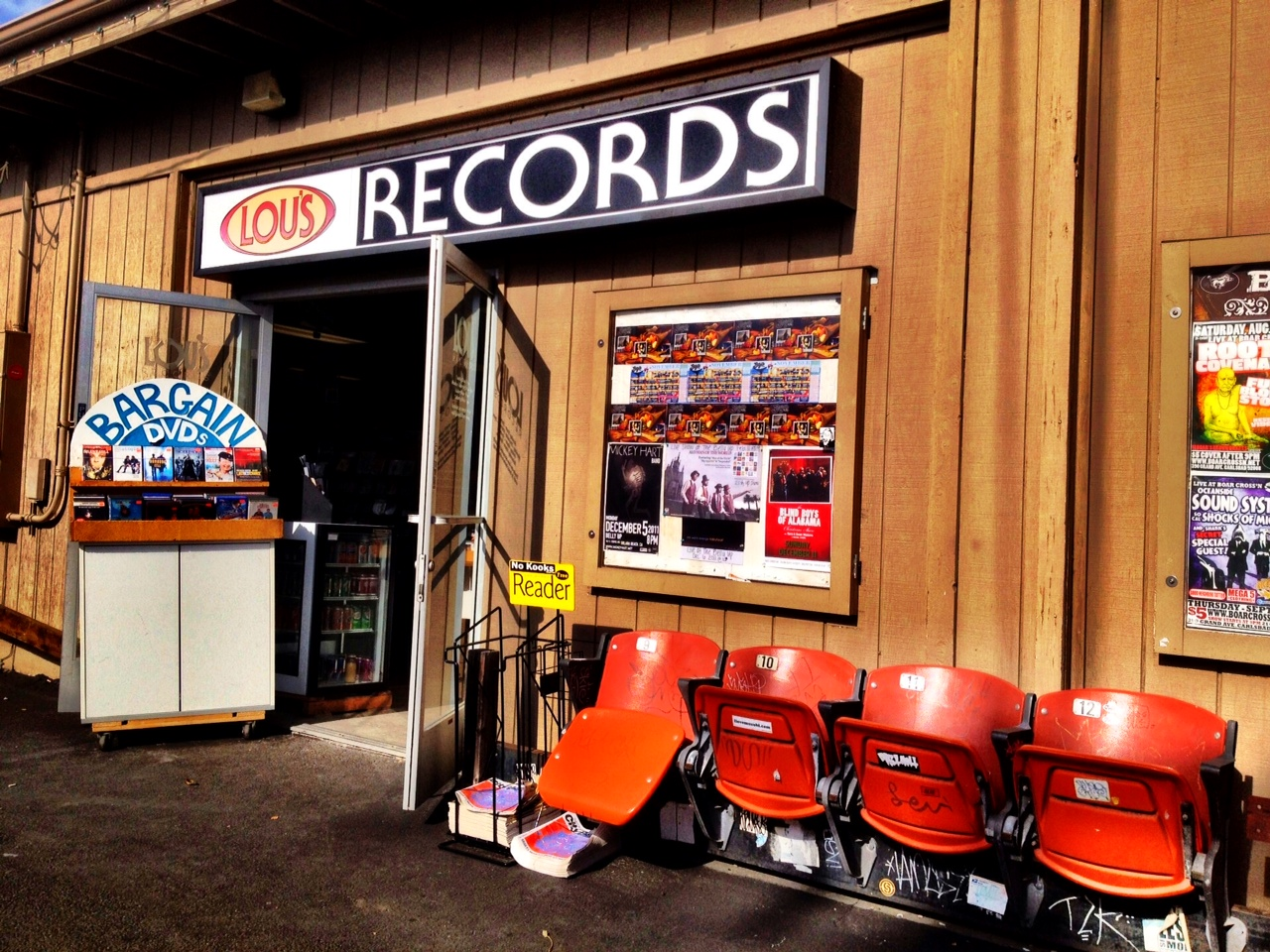 Lou's Records, Encinitas CA  Copyright © 2014Just Appraisals, Inc.