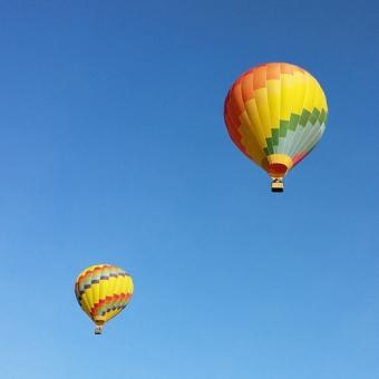 Santa-Barbara-two-balloons