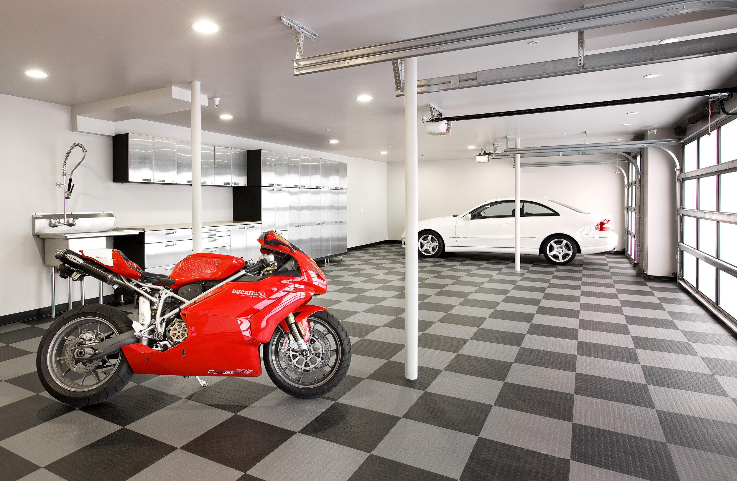4-Car Garage