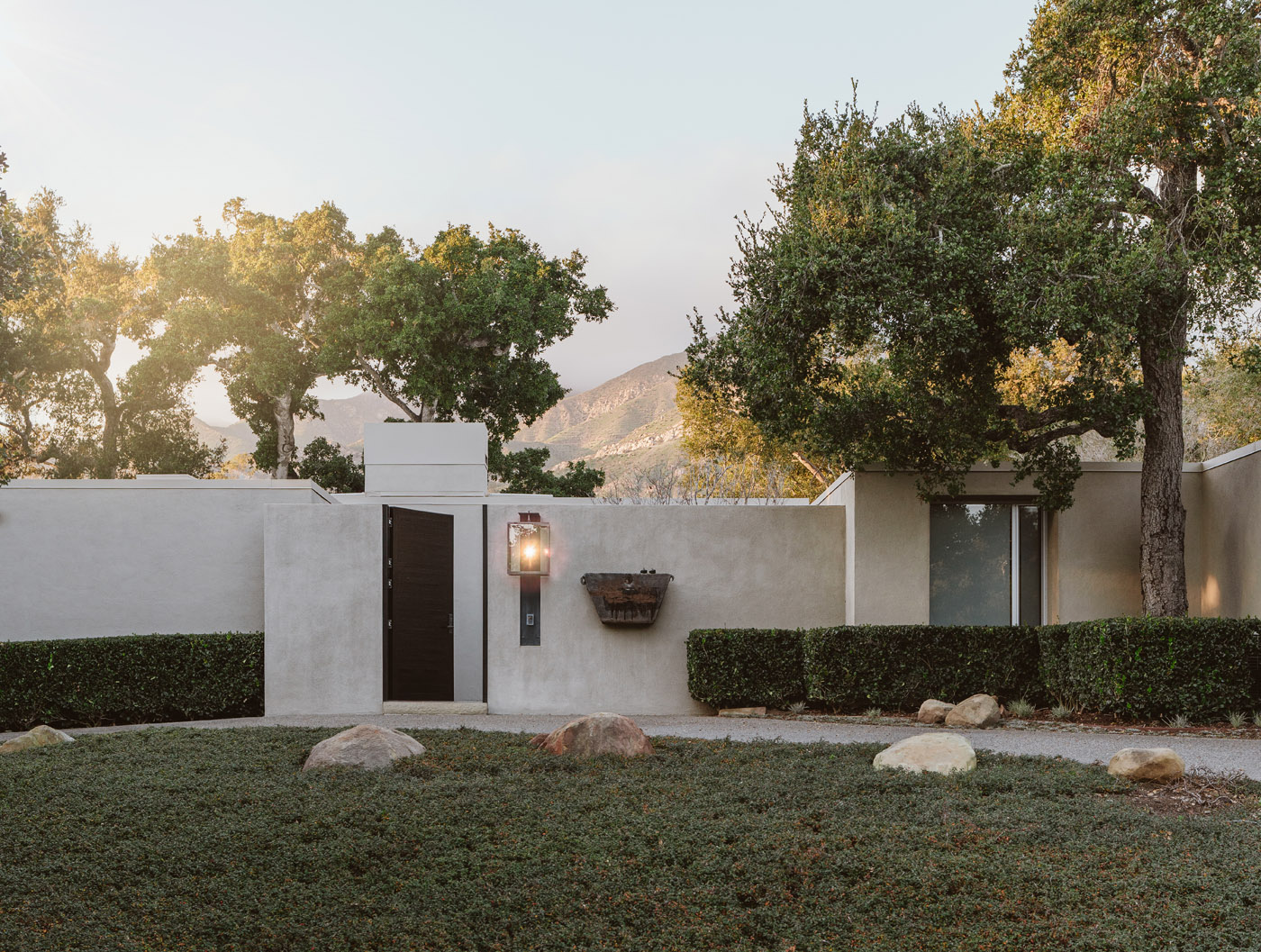 1636 Moore Road | Modern Masterpieces