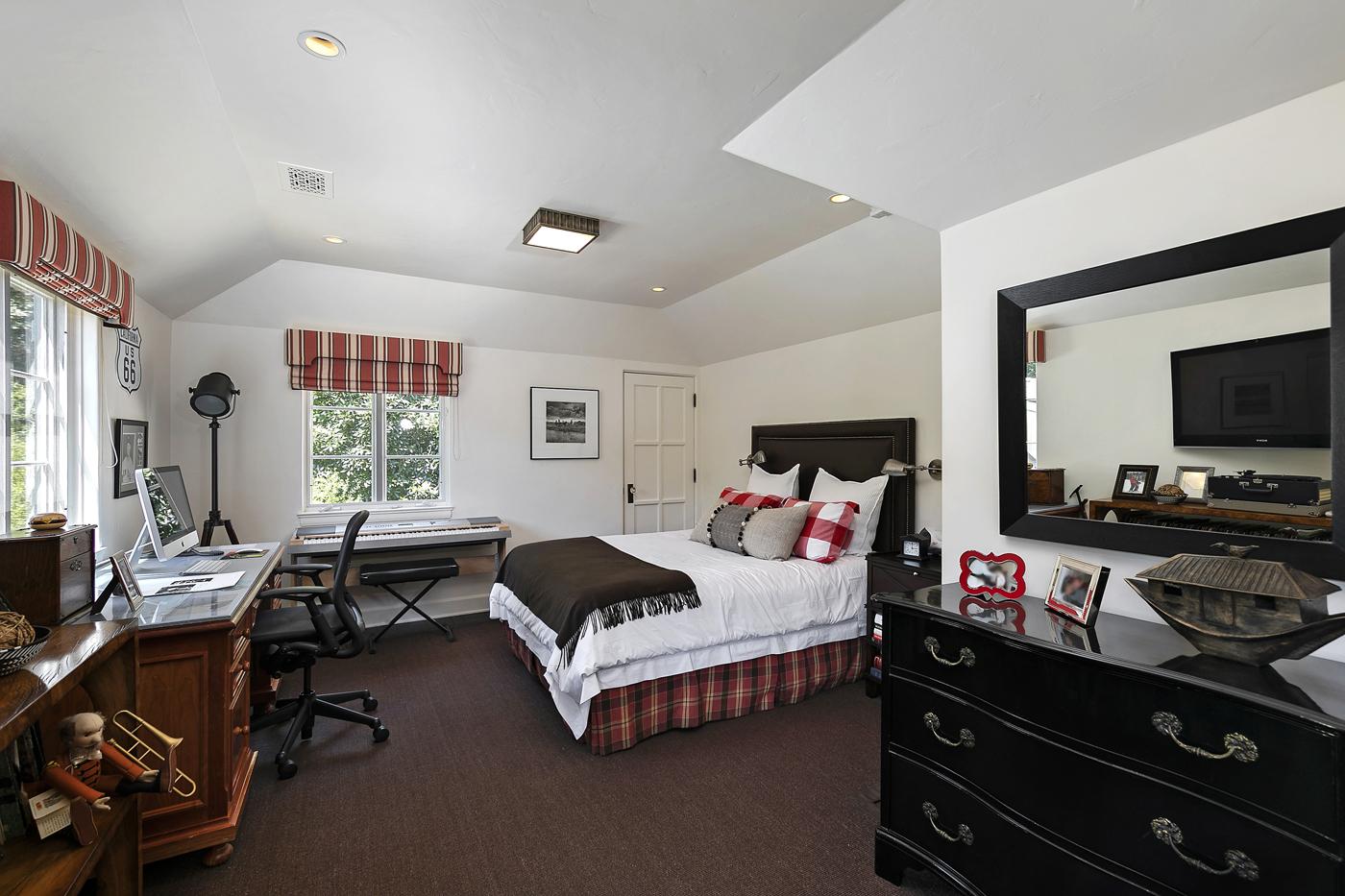 20 Guest Room 2.jpg