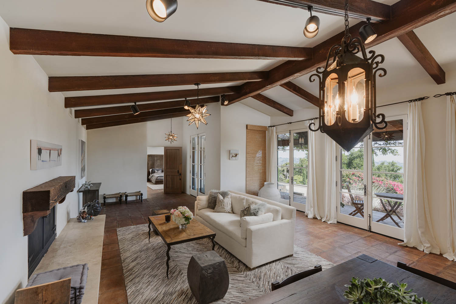 Property for Sale: 956 Mariposa Lane, Montecito, CA List Price: $14,500,000 6 Beds 7 Full Baths 2 Half Baths 7,491 Sq Ft Main House Romantic Ocean View Estate!