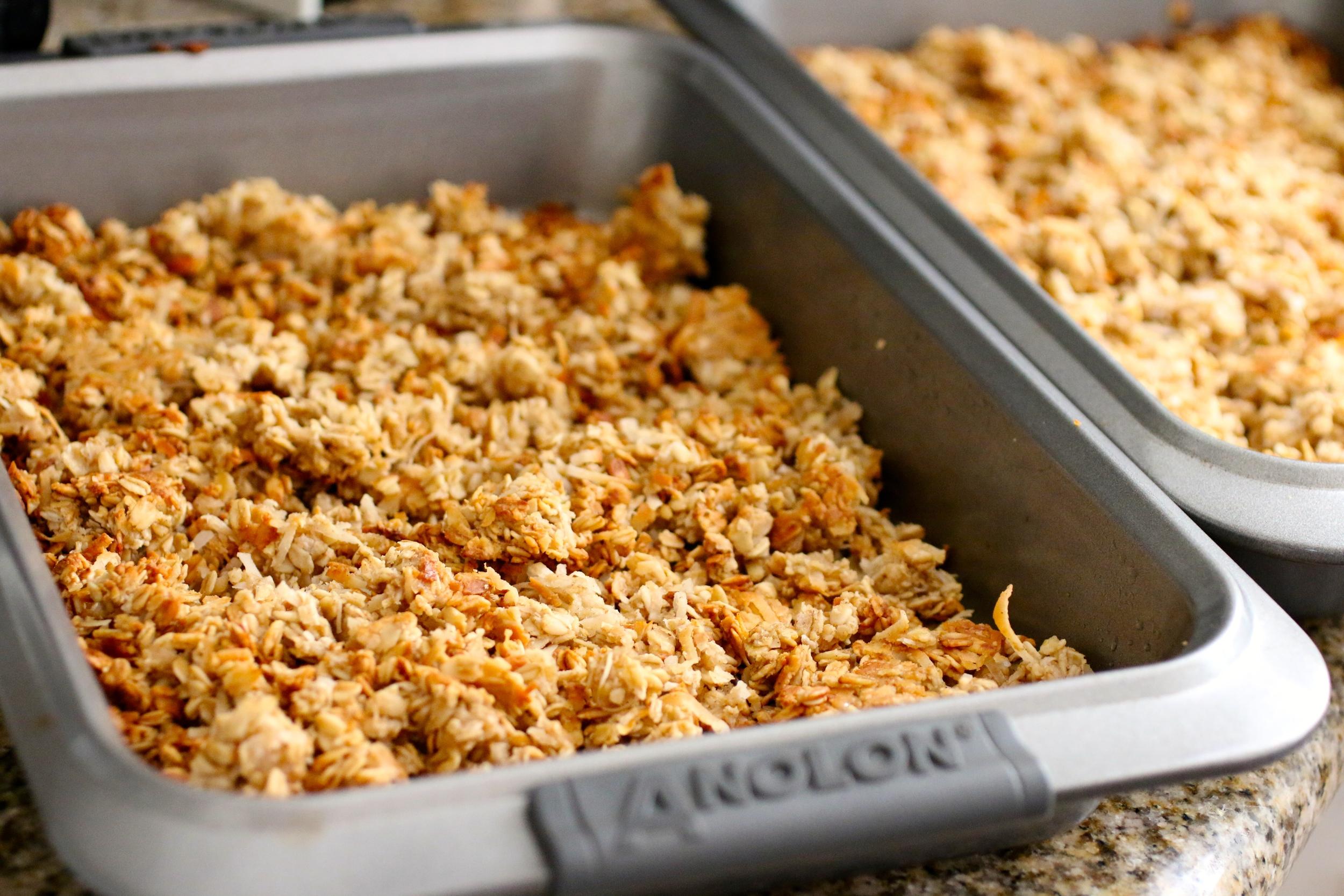 The Best Gluten Free Granola - www.barbellsandbaking.com
