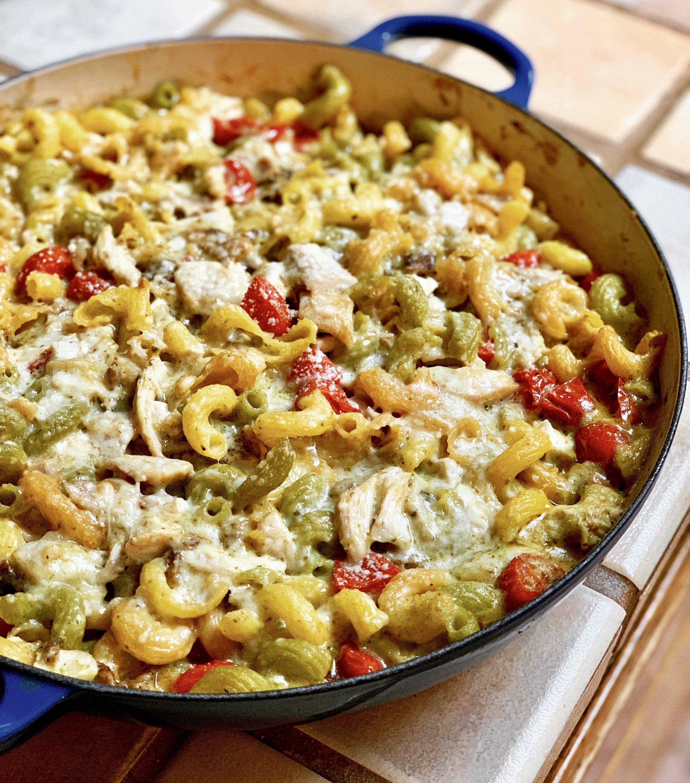 Gluten Free Pesto Chicken Pasta Bake | www.healthymamaspace.com