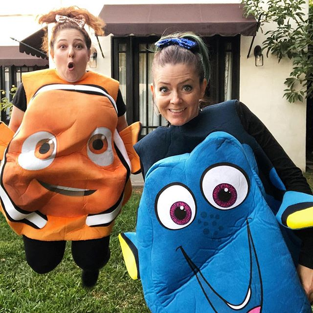 Pretty sure we nailed Halloween.🐟🐡🎃 . This is the result of zero planning, @rachelleahcohen having random costumes lying around and an impromptu dork fest photo shoot. 😂 . Did you dress up? What did you go as? . . . . #halloweencostume #halloween🎃 #halloween #findingnemo #whatthehellisthis #bffs #julianadever #cleverdever